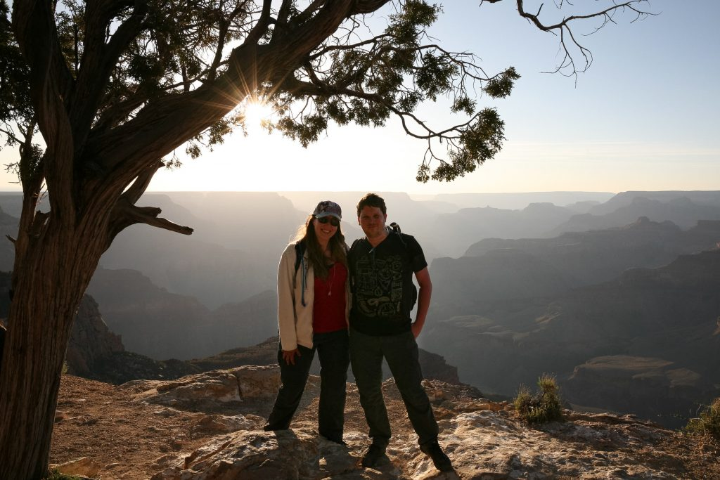 Zonsondergang aan Rim Trail in Grand Canyon
