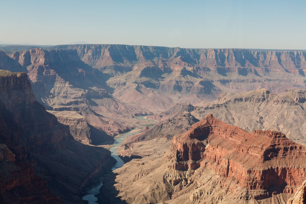 Zicht op Colorado-rivier vanuit de helikopter, Grand Canyon National Park