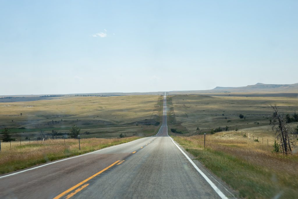 Eindeloze highway in Montana